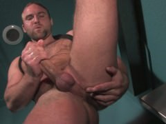 Tom Tugs Real Good In The Washroom – Naked Sword
