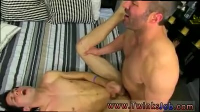 Gay Guys Sucking And Rimming Deep Movietures He Gets On His Knees And
