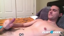 Hunky College Twink Spunkie Dali Unloads His Spunk All Over His Belly