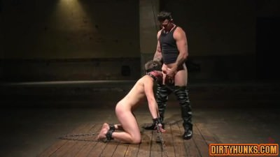 Muscle Slave Spanking And Cumshot
