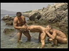 Having A Gay Time At The Beach – Pacific Sun Entertainment