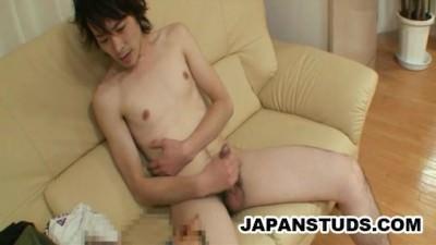 Kazushi Tazawa – SKinny Japan Stud Cock Wanking
